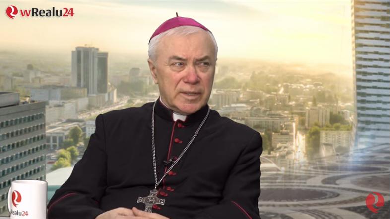 Screenshot_2020-02-25 Abp Lenga, ks Jochemczyk - to jest niszczenie Kościoła - YouTube